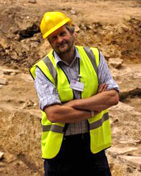 NWS.   Picture by Catriona Buckett.  8 August 2009 Lathom House Open Day.  Jamie Quartermaine inside the main excavation site of teh Civil War Palace at Lathom House.